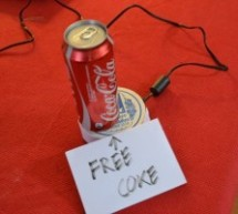 The useless alarmed Coke can using Arduino