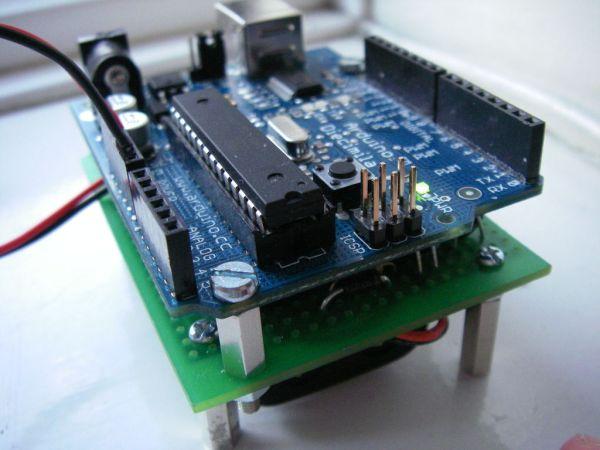 Arduino AA Undershield