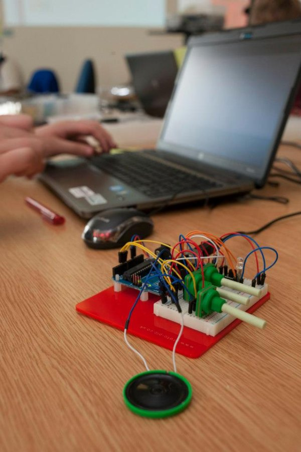 Tinkering and coding with teens