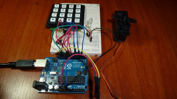 Access control with Arduino plus Keypad 4x4 plus Servo