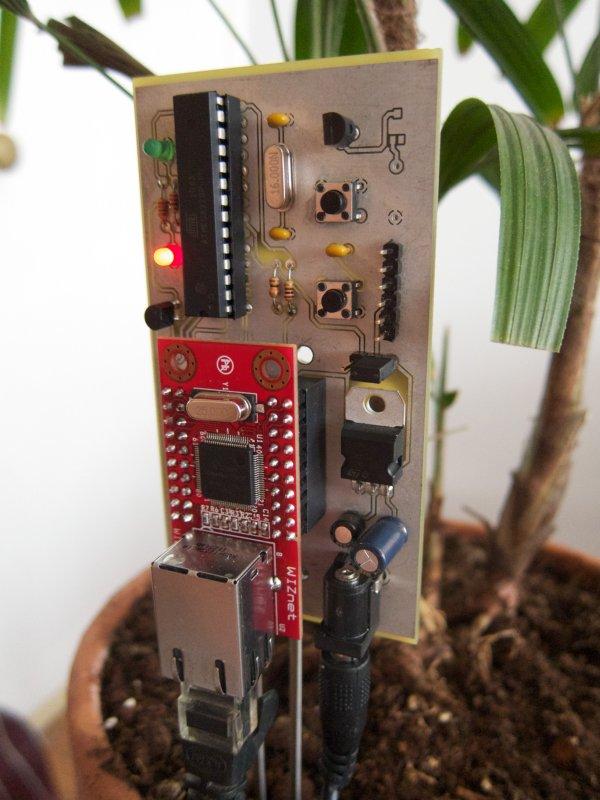 Arduino Botanicalls Clone