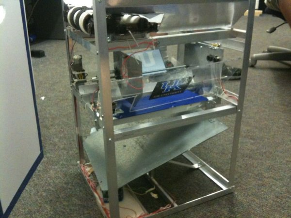 EARTH SAVER: Autonomous Material Sorter using Arduino