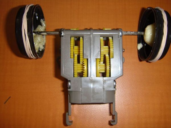 Assemble The Gearbox & Attach The Wheels