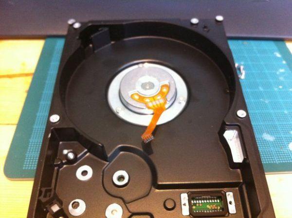 Create the wheel base and installation optical sensor