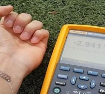 Power arm band for wearables harvests body heat