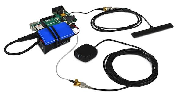Real-time GPS tracking device for vehicles