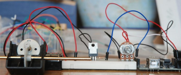 Arduino – Control a DC motor with TIP120, potentiometer and multiple power supplies