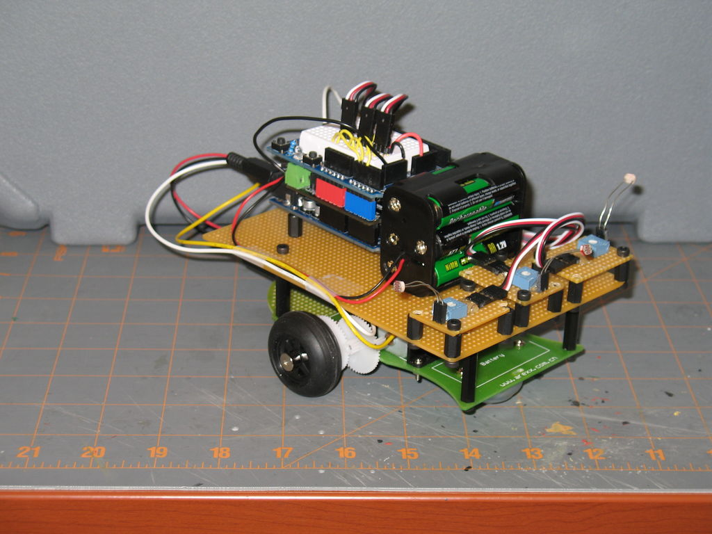 Arduino Light Following Robot