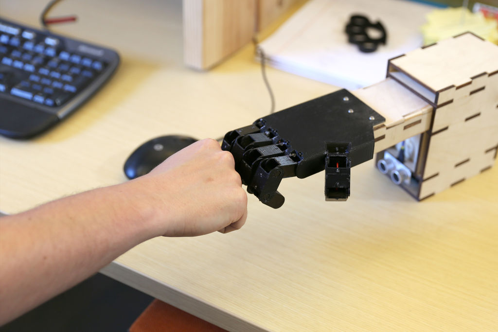 Desktop Fist Bumper using arudino