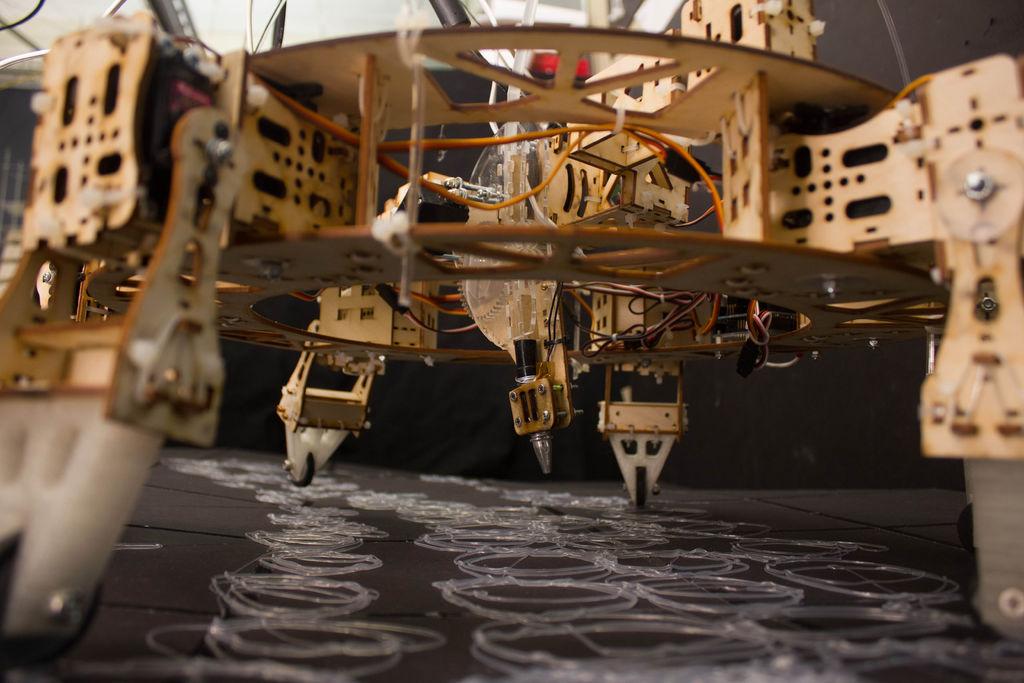 Geoweaver: A Walking 3D Printer Hexapod using arduino