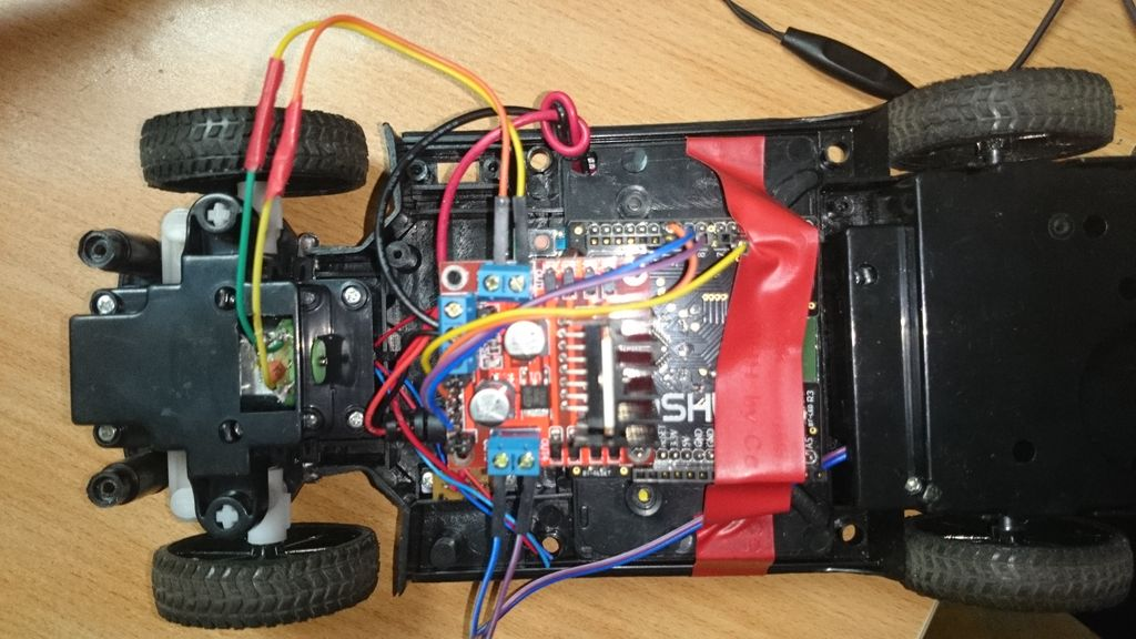 Hacking my RC Car using Arduino and Android Smart Phone circuit