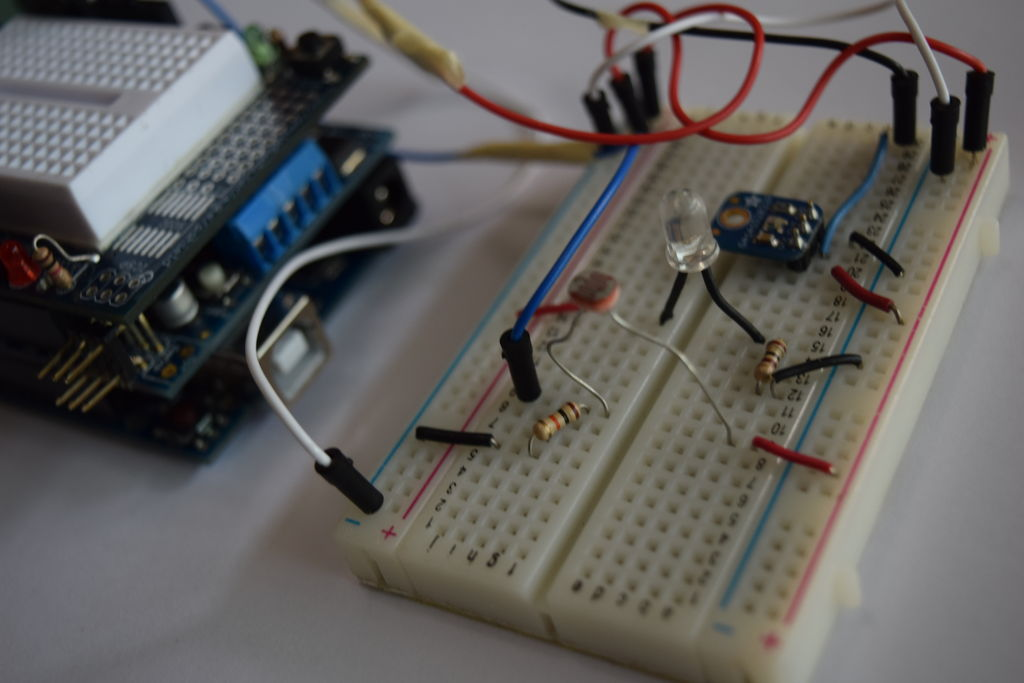 Line Following Robot using arduino circuit