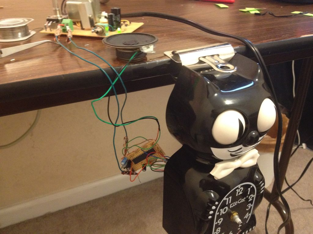 Make a digital meow from analog clock using arduino