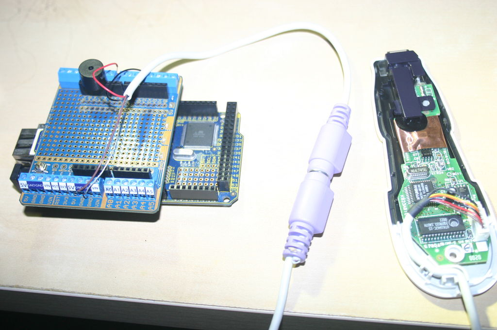 Arduino and CueCat barcode scanner circuit