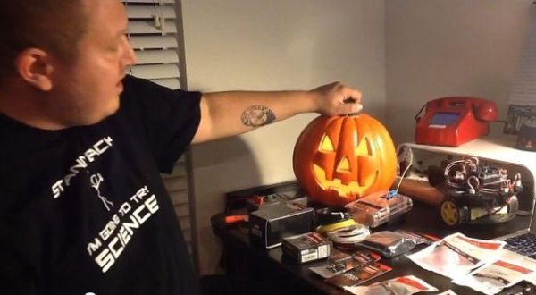 Arduino powered Haunted Pumpkin