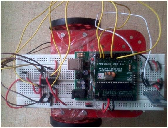 Android Phone Controlled Robot using Arduino Schematic