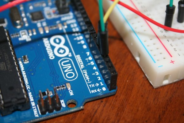 Control Two LEDS with an Arduino and bitVoicer Schematic