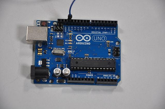 640px-Arduino_Wire_007