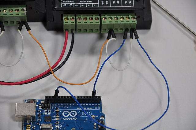 640px-Arduino_Wire_008