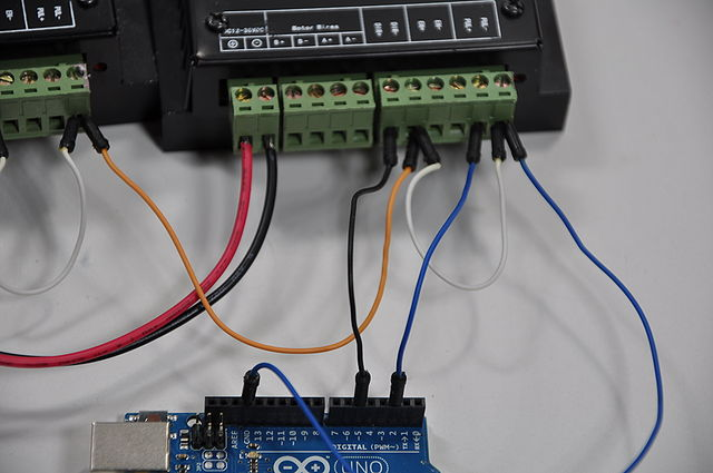 640px-Arduino_Wire_010