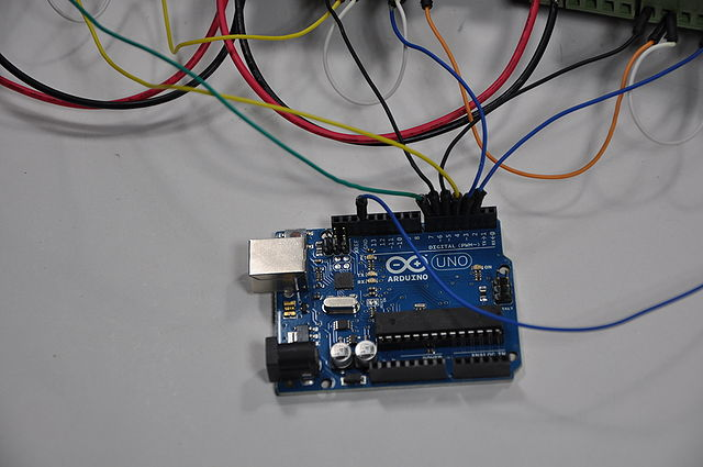 640px-Arduino_Wire_013