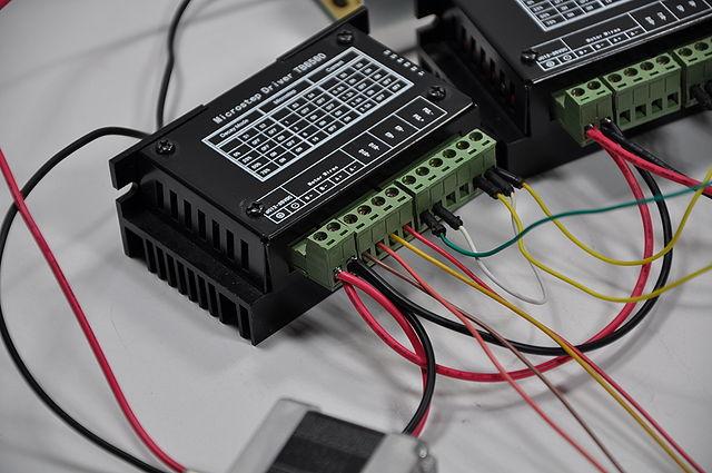 640px-Arduino_Wire_016