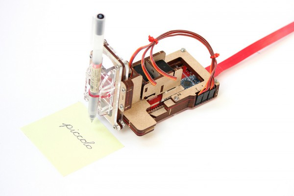 PICCOLO, A POCKET SIZED OPEN SOURCE CNC-BOT