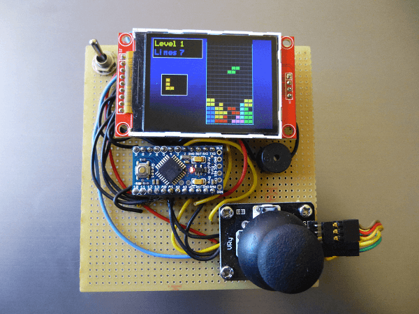 Build an inexpensive handheld Arduino color console