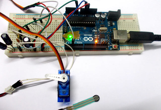 Servo position control with weight force sensor use