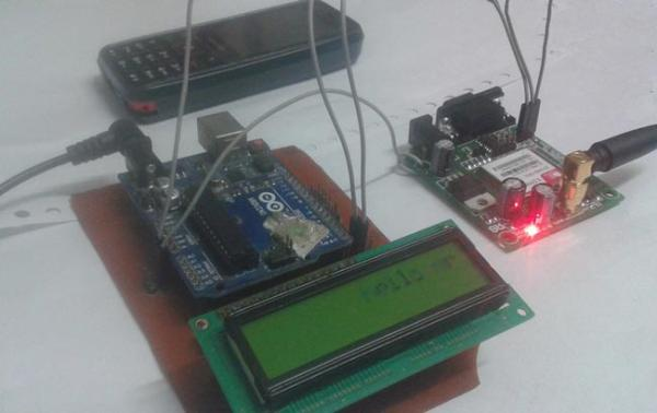 Wireless-E-Notice-Board-Using-GSM-and-Arduino