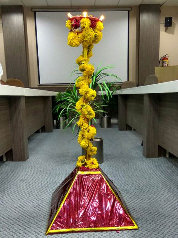 How to Automate a Lamp for Ceremonial Inaugurations