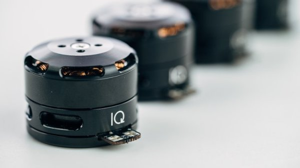IQ Motor Module – An Integrated Motor With A Closed Loop Controller And Position Sensor