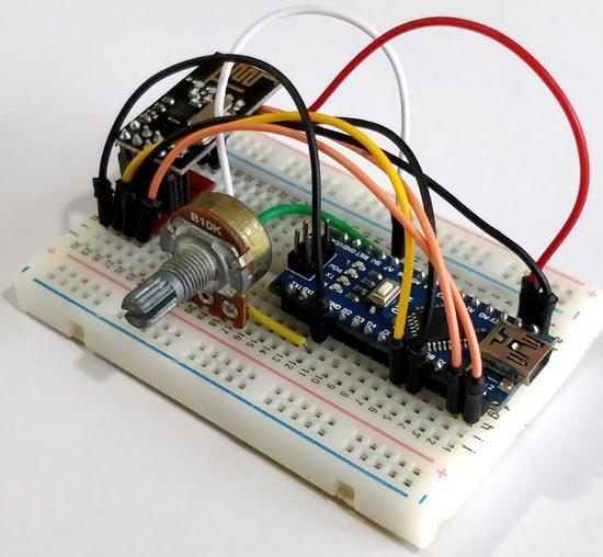 Interfacing nRF24L01 with Arduino: Controlling Servo Motor