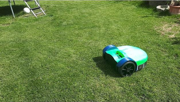 Mechanical Engineer Makes 95% 3D Printed Autonomous Robotic Lawn Mower