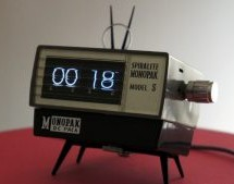 VINTAGE CAMERA FLASH TURNED OLED DESK CLOCK