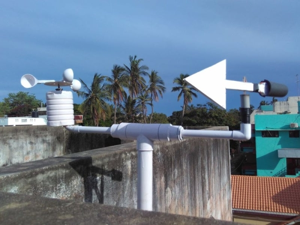 DIY-Standalone-Weather-Station-Powered-by-Arduino