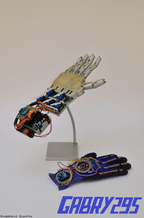 How-to-Make-a-Remote-Controlled-Robotic-Hand-With-Arduino
