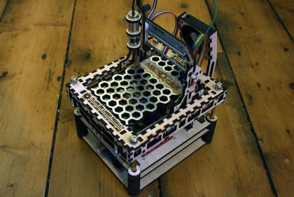 The-MicroSlice-V1-a-Tiny-Arduino-Laser-Cutter