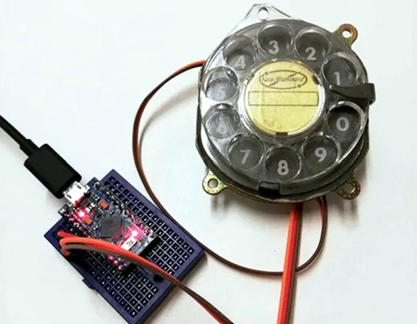 ROTARY-DIAL-BECOMES-USB-KEYBOARD