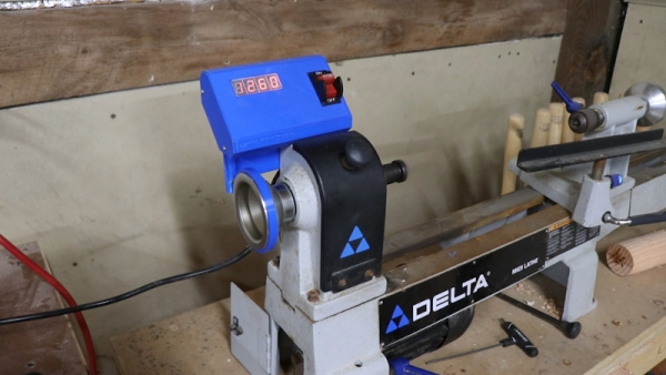 ADDING-A-DIGITAL-READOUT-TO-A-WOOD-LATHE