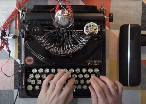 Awesome-drum-machine-created-from-vintage-typewriter