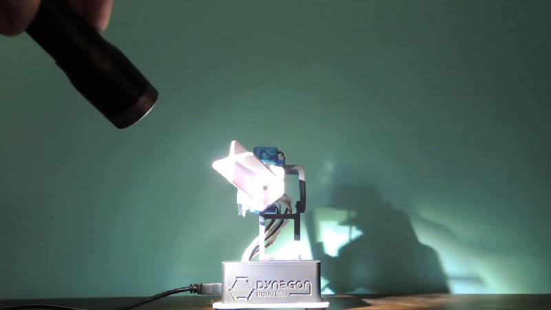LIGHT TRACKING ROBOT RELIES ON LDRS