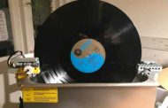 DIY LEGO RECORD CLEANER IS REVOLUTIONARY